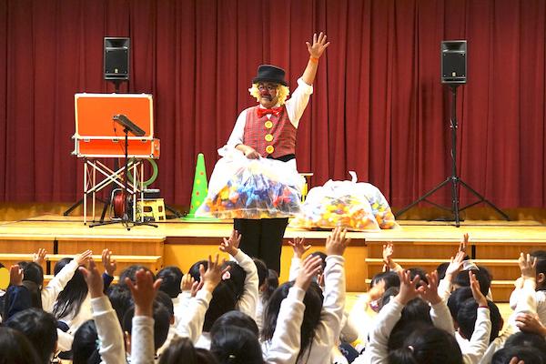 豊田市のこども園でピエロの出張イベント
