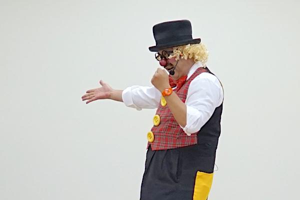 若松保育園のお楽しみ会でピエロが再登場!!バルーンアートもプレゼント♪愛知県岡崎市