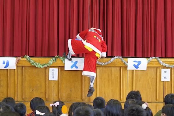 瀬部子ども会でピエロのクリスマスパフォーマンス♪愛知県一宮市
