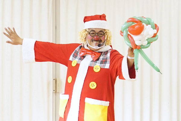 子ども会のクリスマス会でサンタっぽいピエロとバルーンアート体験♪愛知県名古屋市